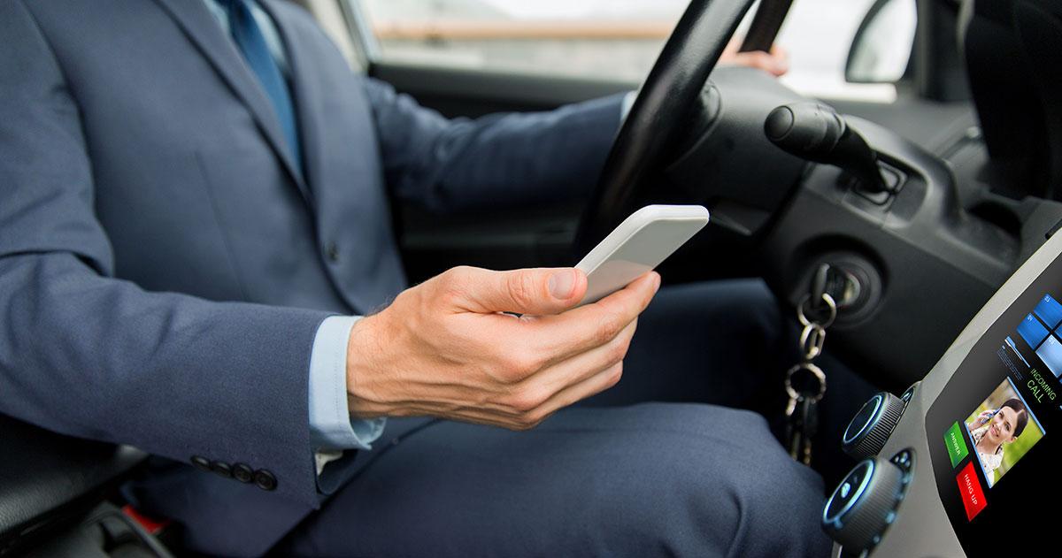 El uso del móvil y la conducción son incompatibles